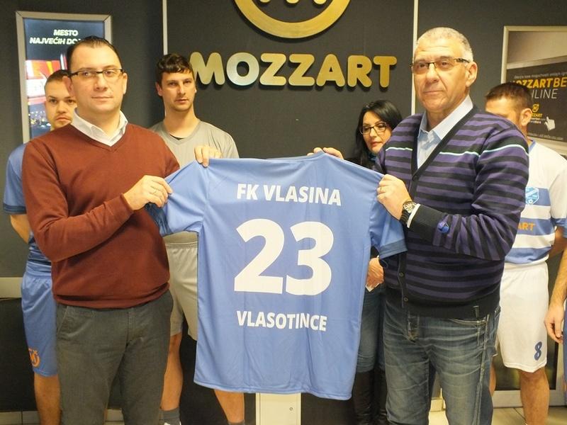 Mozzart donirao dresove fudbalerima Vlasine