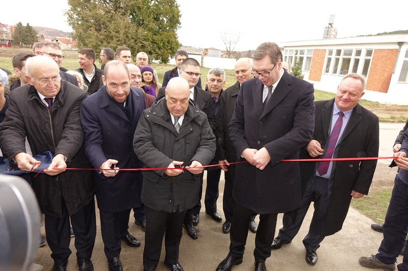 Vučić u Lebanu poručio Turcima: Napravili ste fabriku, kupujet hotele (VIDEO-ANKETA, TRUBAČI)