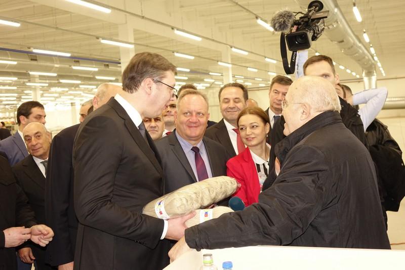 Vučić u aprilu otvara nove fabrike u Leskovcu, Nišu, Kraljevu, Kruševcu, Loznici, Čačku…