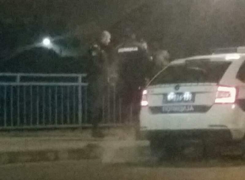 Policija sprečila mladića da skoči s mosta