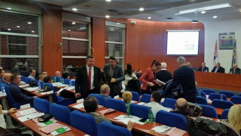 Opozicija napustila sednicu – Gradonačelnik: Ja ću da budem opozicija! (VIDEO)