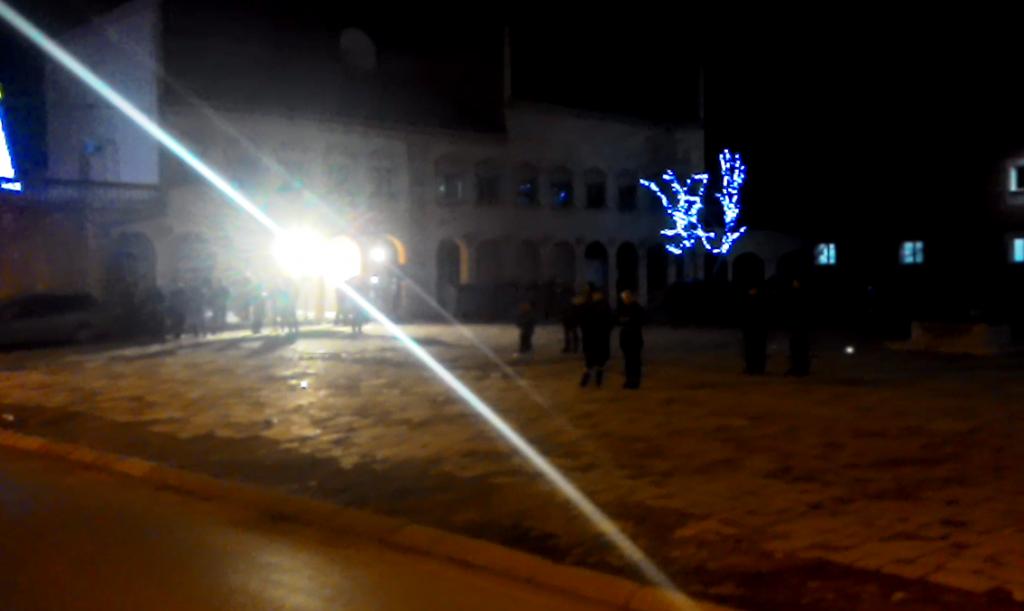 Žurilo im se? U Gadžinom Hanu pravoslavnu Novu godinu dočekali u 22 časa (VIDEO)