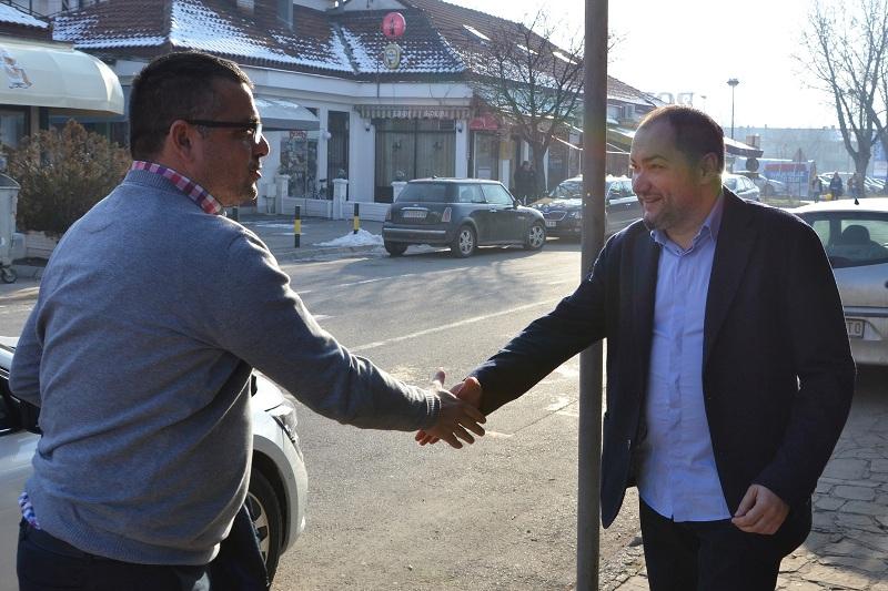Ministar poljoprivrede posetio naprednjake u Pirotu