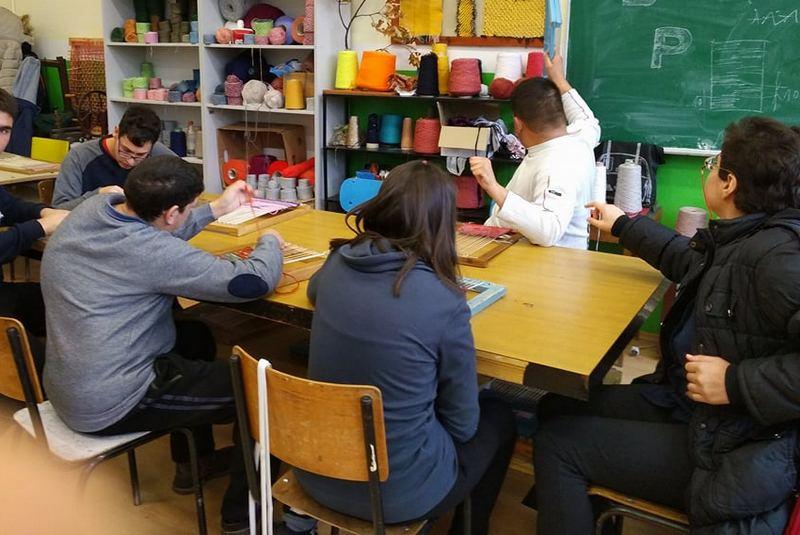 """POLA VEKA Škole """"14. oktobar"""" koja školuje vrhunske zanatlije i stvara svestrane ljude"""