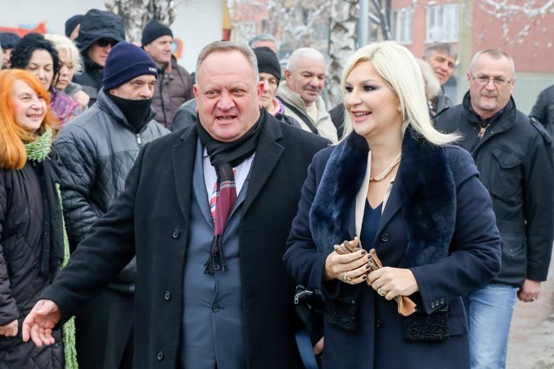 Zorana Mihajlović na sastanku sa političkim vrhom Leskovca