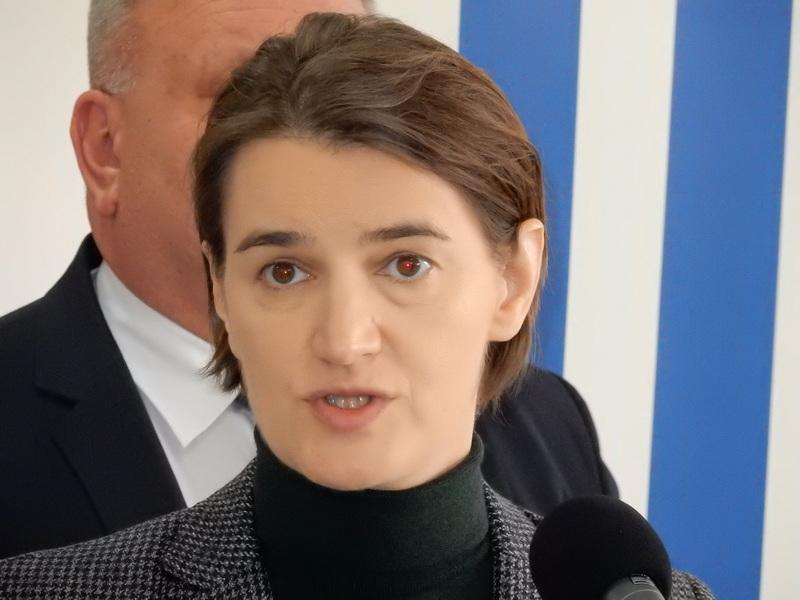 Ana Bnabić u Prokuplju i Kuršumliji, svi hteli selfi sa premijerkom