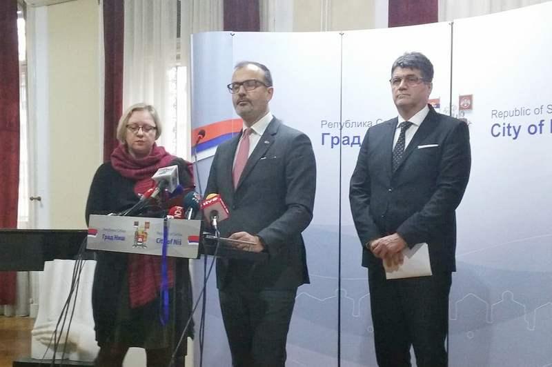 Fabrici: Srbija mora da poštuje standarde EU o slobodi medija