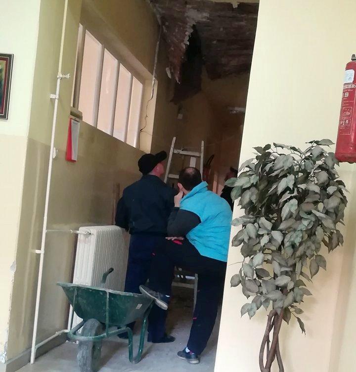 Propao plafon na Grudnom odeljenju, pacijenti nisu ugroženi