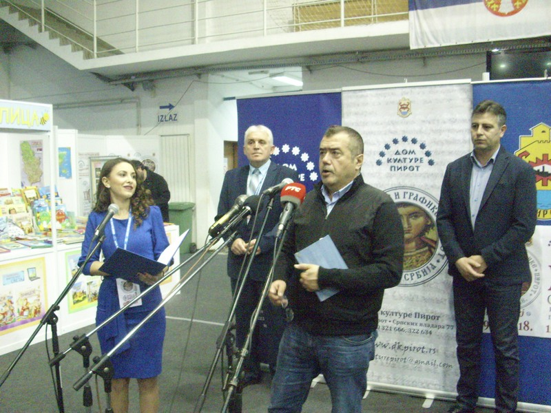 Književnik Vladimir Pištalo otvorio 19. Salon knjige i grafike u Pirotu