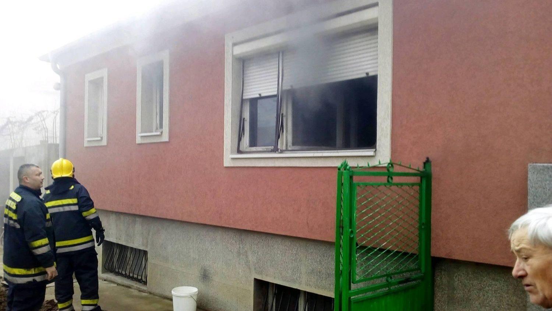 Gori kuća kod Doma učenika