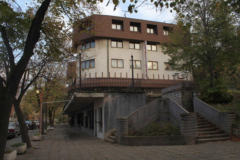 Još nepoznati uzroci požara u hotelu Partizan, nekadašnjem simbolu Niške Banje