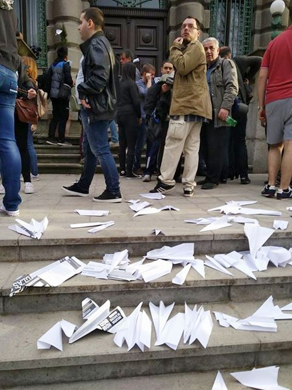 """Nišlije """"zamrzle"""" protest zbog predaje aerodroma državi"""