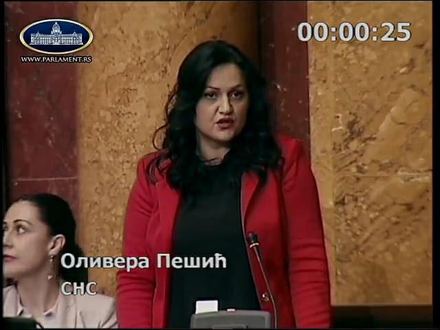 """Opozicija """"osula paljbu"""" po gradonačelniku Leskovca u Narodnom domu, u njegovu odbranu stala Olivera Pešić i pobrala aplauze (VIDEO)"""