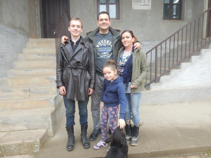 NISU ZABORAVILI KORENE Vratili se iz Švajcarske i obnovili kuću predaka
