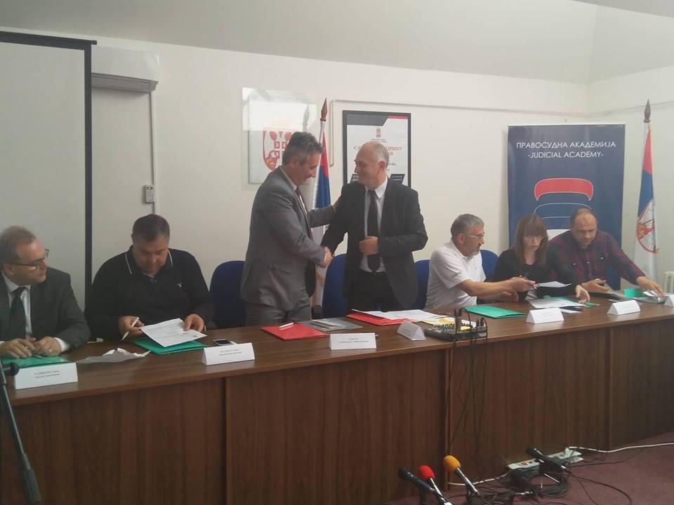 Potpisan sporazum o medijaciji kao mirnom načinu rešavanja sudskih sporova