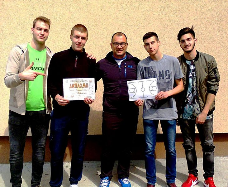Vlasotinački gimnazijalci najbolji košarkaši u okrugu