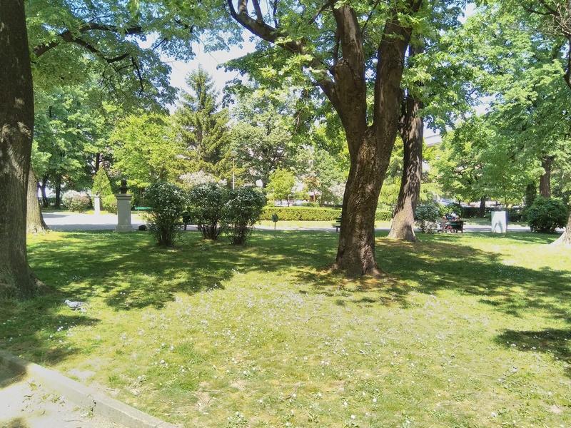 Sutra dezinsekcija protiv krpelja u gradskom parku