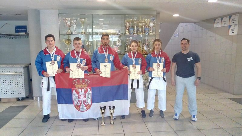 Bojnički karatisti doneli iz Poljske pun kofer trofeja