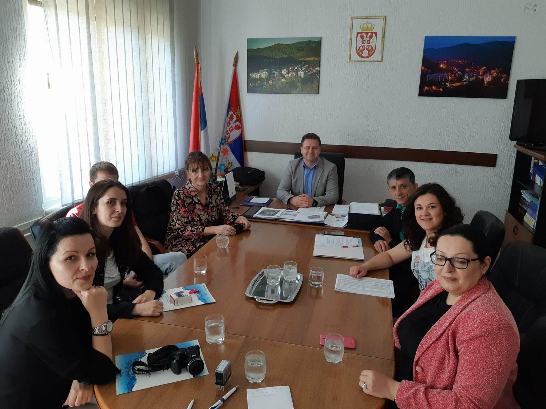 Potpisani ugovori za medijske projekte u Medveđi (VIDEO)