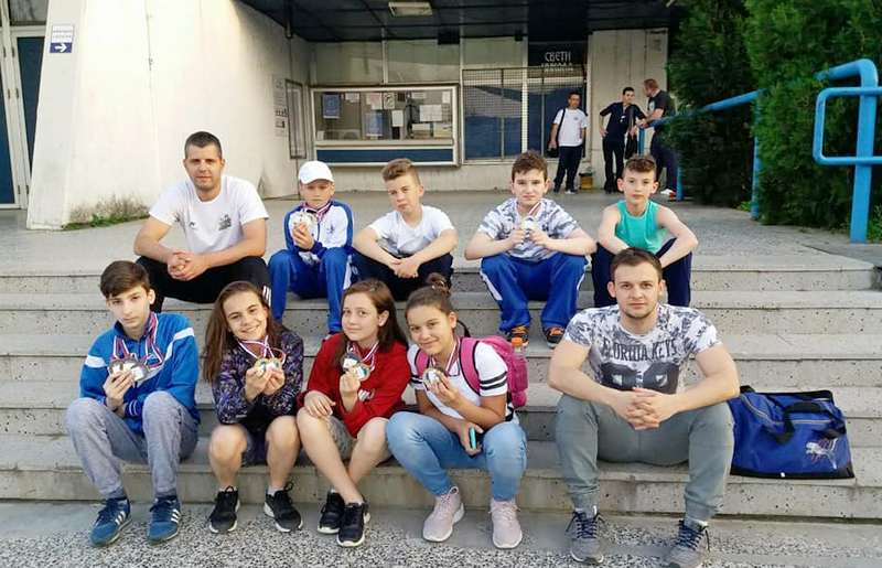 PK Leskovac: Sedmoro plivača osvojilo 13 medalja