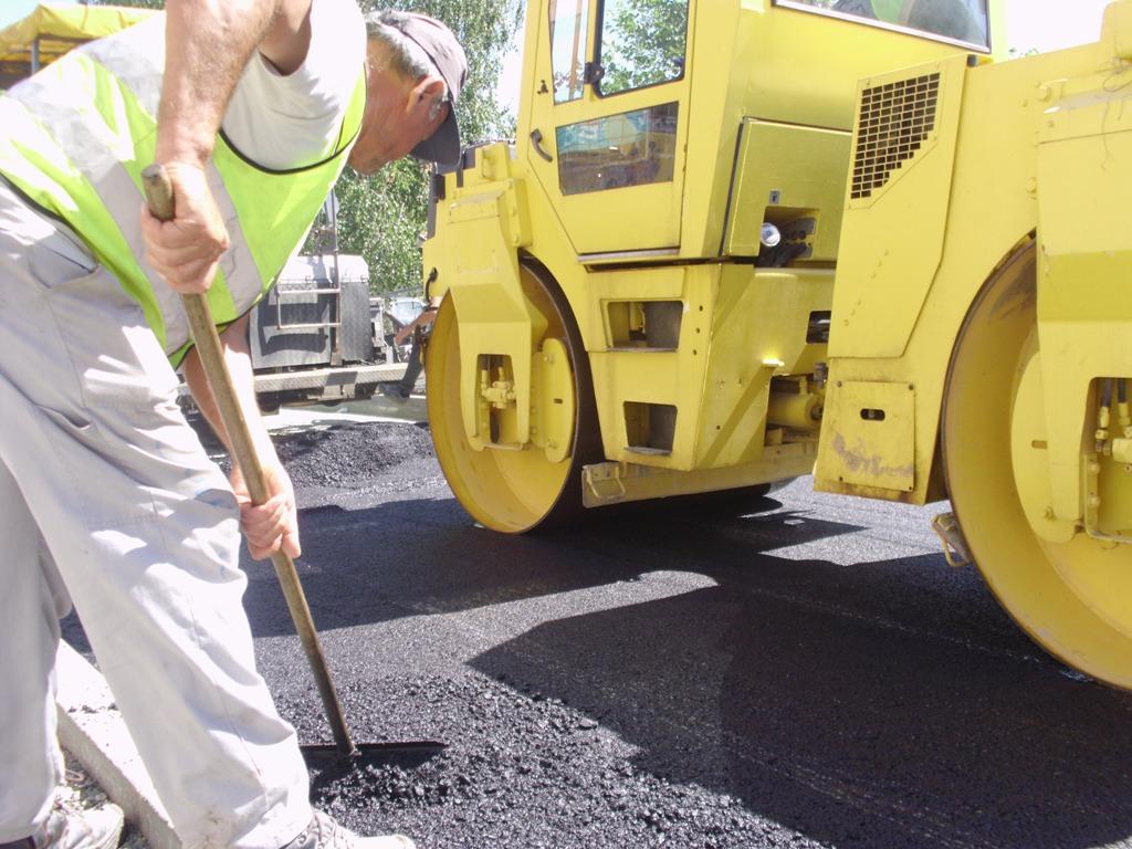 Napokon počelo asfaltiranje jedne od najfrekventnijih ulica