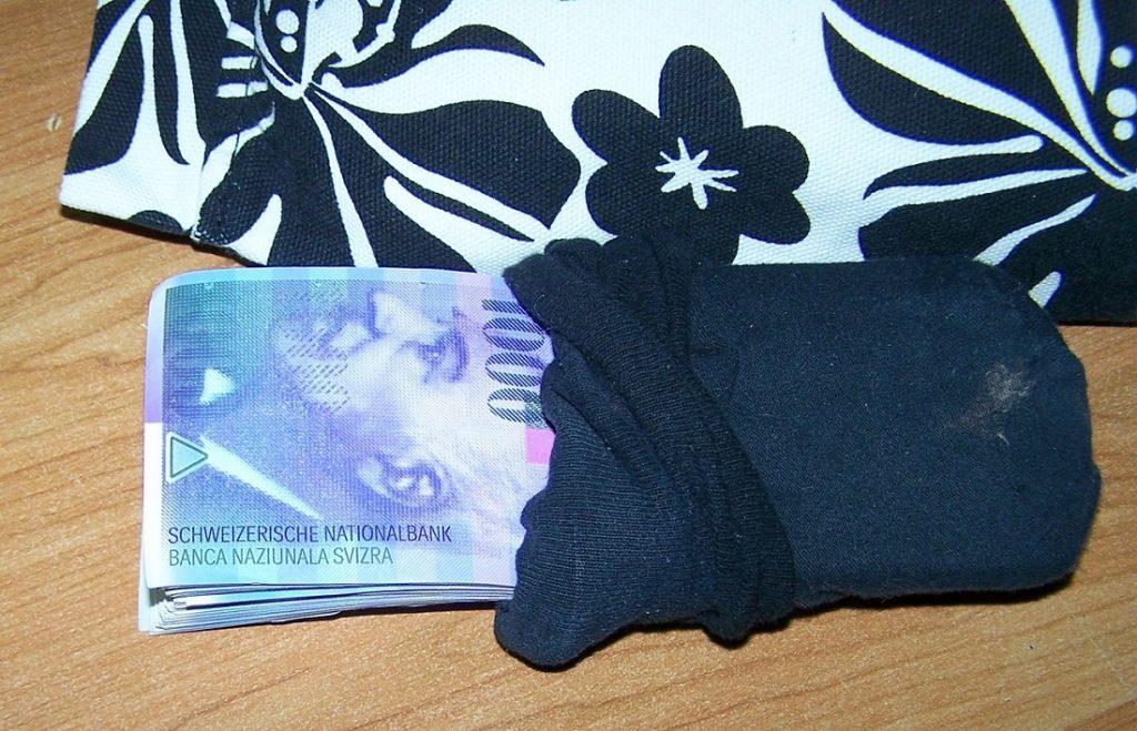 U čarapi ušivenoj u jastuk švercovao 117.000 franaka