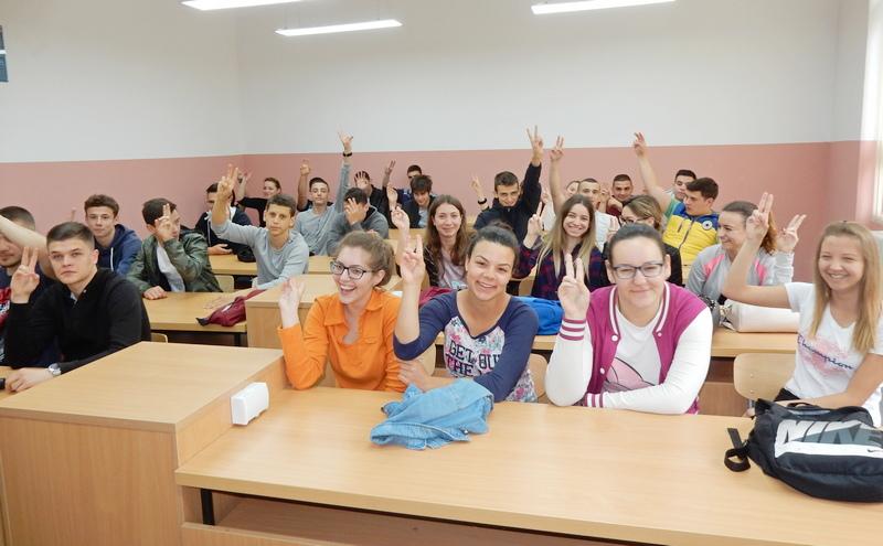 Hodnicima odzvanja smeh, u učionicama znanje, u biblioteci muzika (VIDEO, FOTO)
