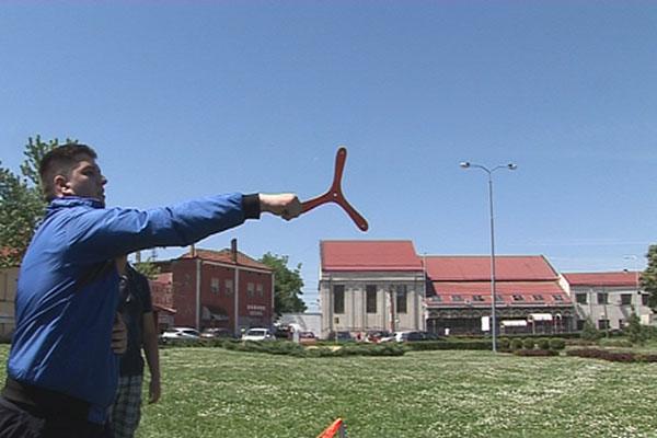 Takmičenje u bacanju bumeranga