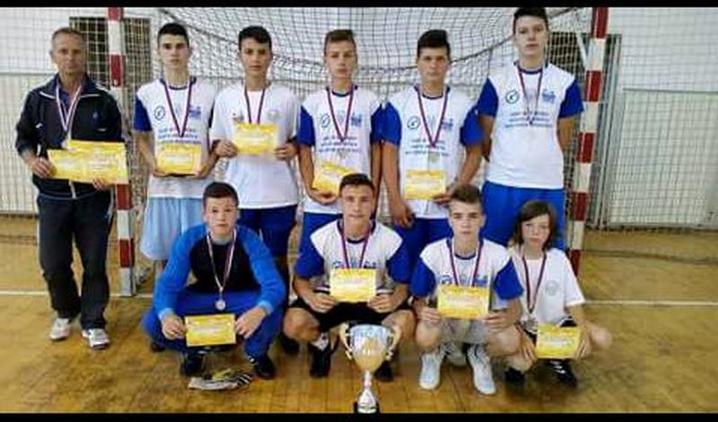 Leskovački učenici drugi na državnom prvenstu u fubdbalu, 9 ide na prvenstvo atletičara