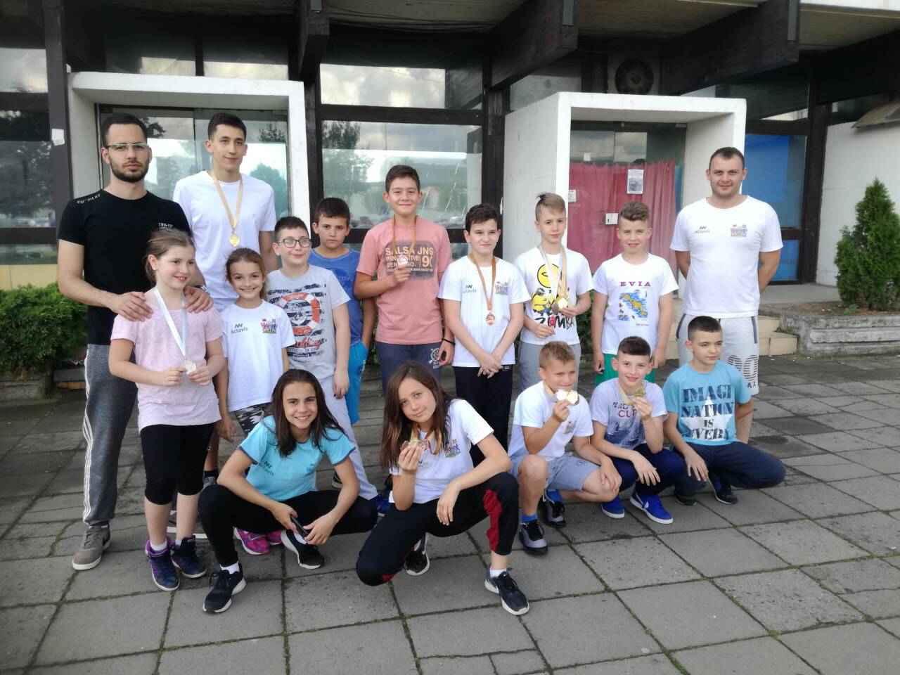 BRAVO DECO! Leskovački plivači iz Kruševca doneli 13 medalja