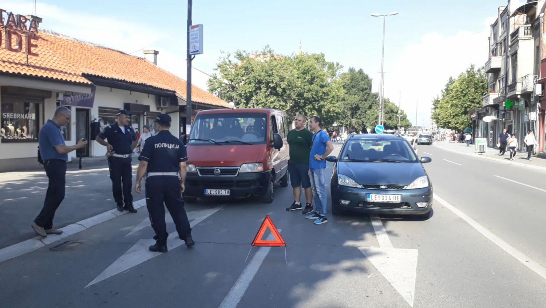 PROTESTI (FOTO, VIDEO) Policija blokirala bulevare, RADIO I PAUK, vozača sve manje na ulicama – NIŠ, LESKOVAC, VRANJE, GRDELICA