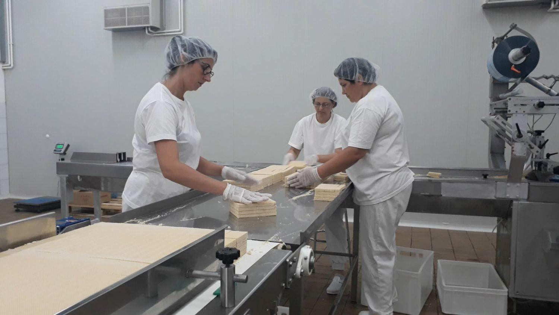 Moravka zaposlila još 30 radnika, počeli sa proizvodnjom napolitanki