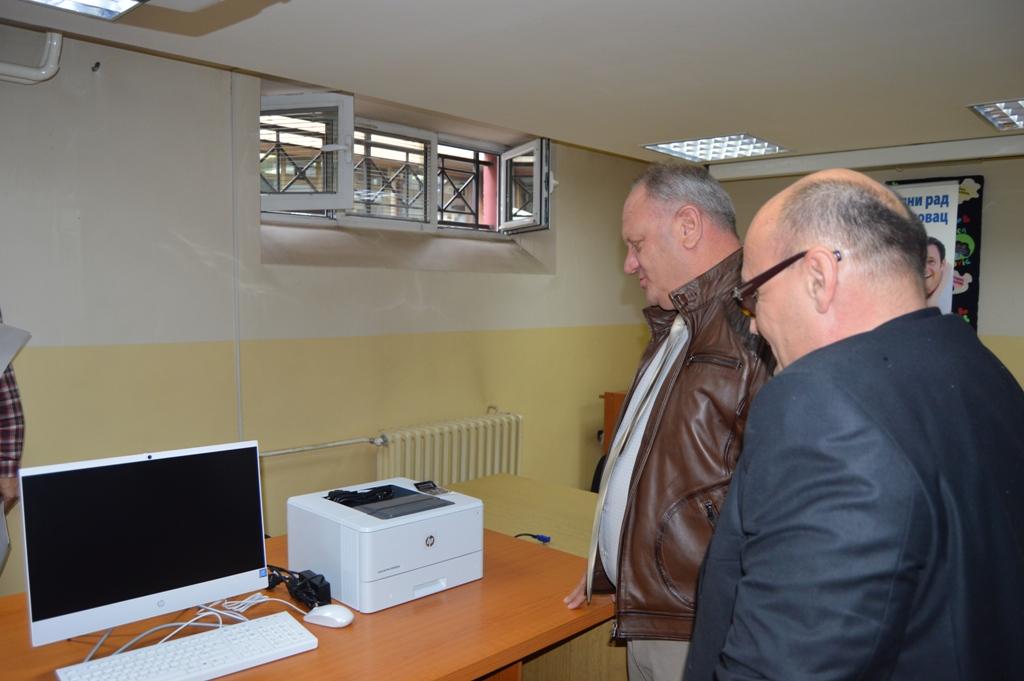 Centar za socijalni rad nabavio opremu vrednu 5,5 miliona dinara (VIDEO)