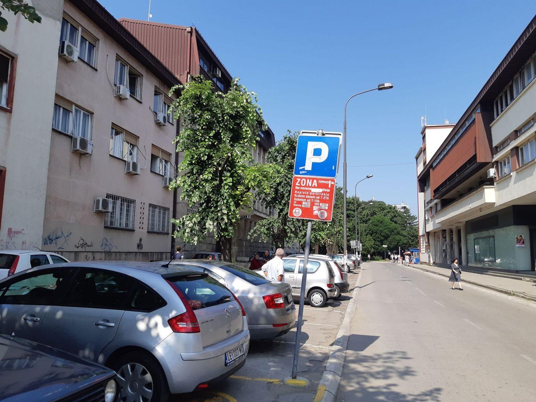 Platiš parkiranje a nemaš gde da se parkiraš!