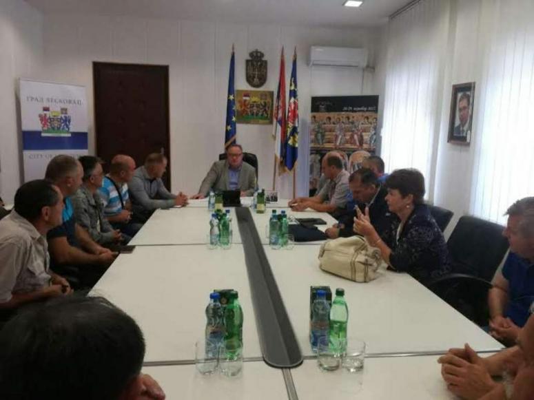 Nakon sastanka sa gradonačelnikom ućutali se i otkupljivači i malinari