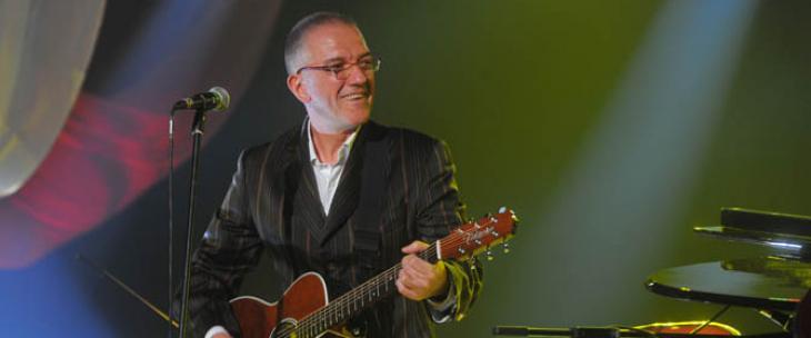 Večeras koncert Dejana Cukića u Leskovcu
