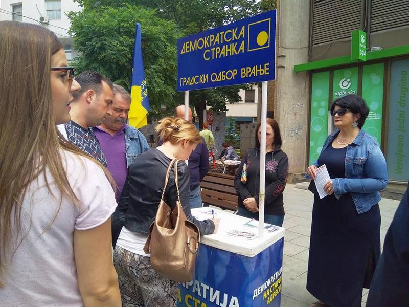 Sve više građana daje potpise za smenu lokalne vlasti