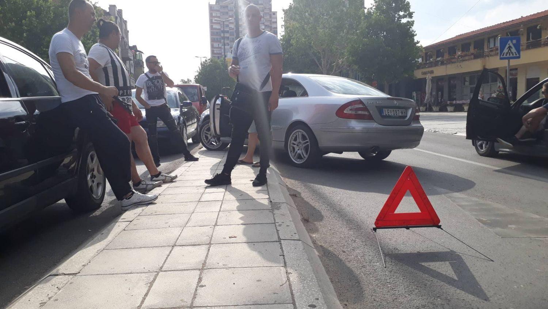 PROTESTI Jug Srbije STAO zbog cene goriva, najmasovnije okupljanje u Leskovcu, u Lebanu kažnjavali, u Nišu snimali registarske oznake (VIDEO, FOTO) JUGMEDIA TV – VANREDNE VESTI