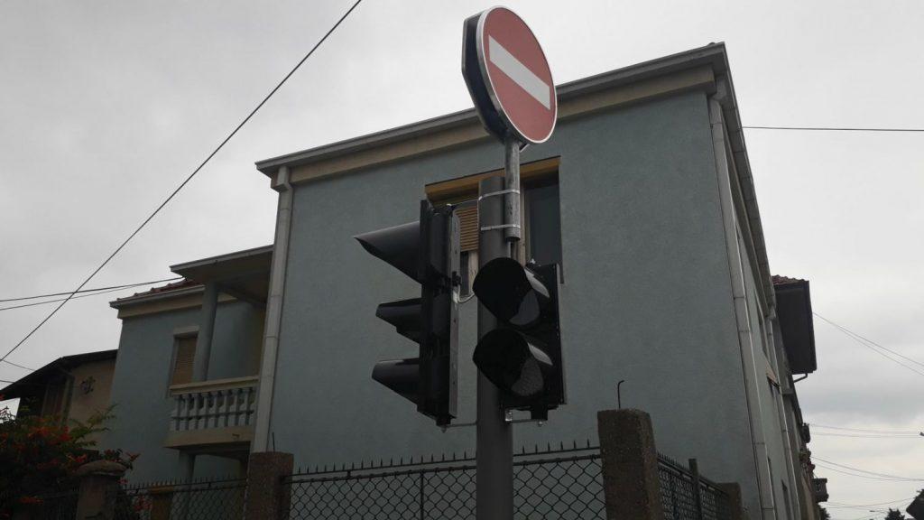 Leskovčanin sa 2,45 promila alkohola prošao kroz crveno na semaforu