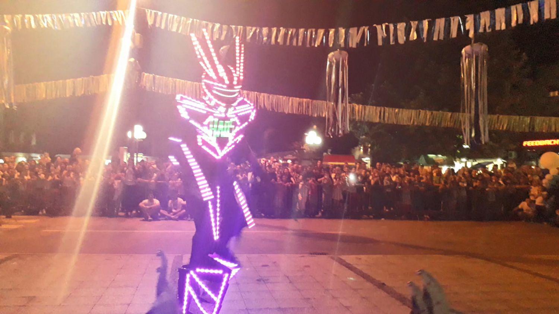 """Transformers"" izazvao HAOS na Festivalu vatre u Leskovcu (VIDEO)"