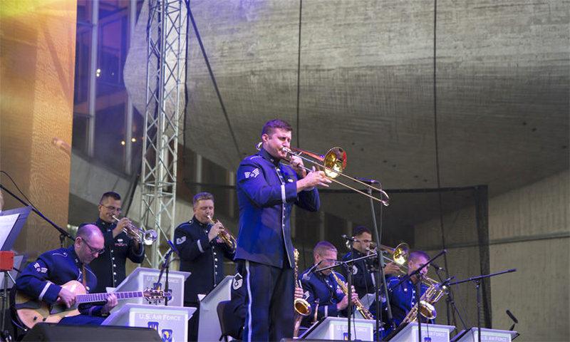 Predavanje muzičara američkog vojnog rok benda sutra u Vranju