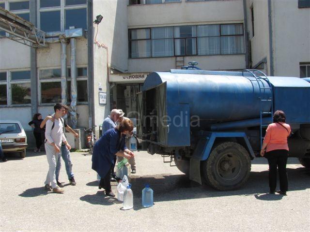 Grdeličani treći dan bez vode za piće
