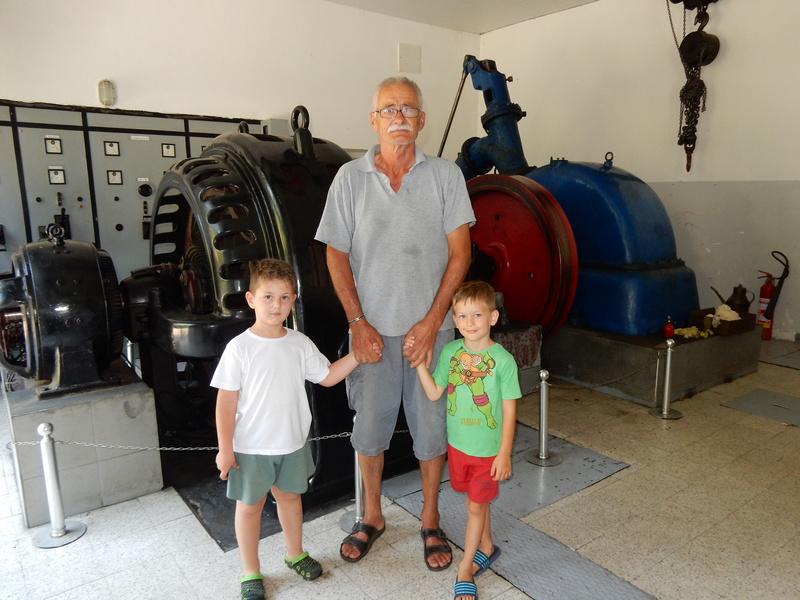 Bruj turbina starih 115 godina kao poj pesme