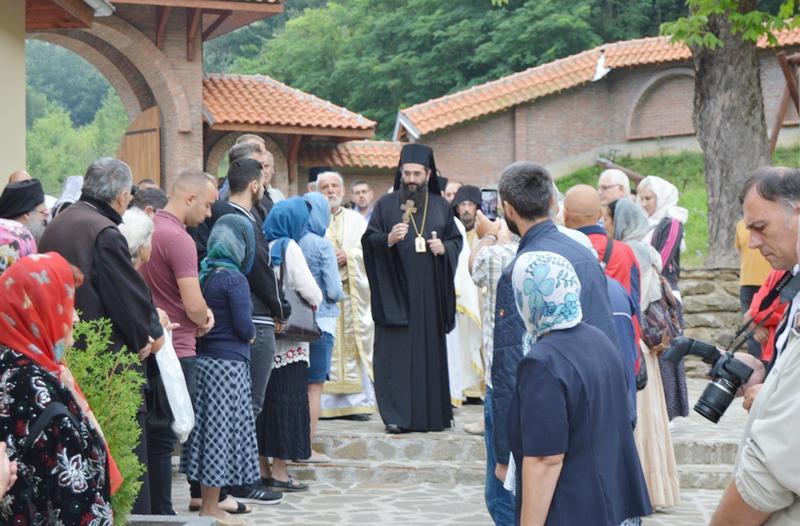 Vladika niški na slavi manastira u Jašunji