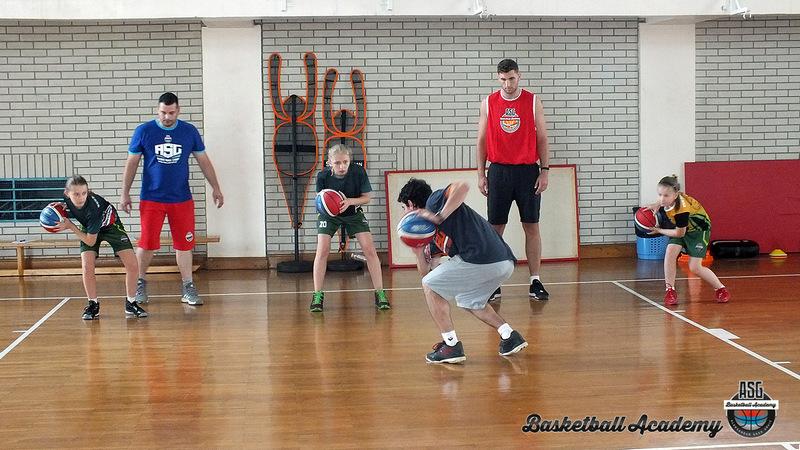 Besplatni košarkaški kamp Saše Grujića na poklon Vlasotinčanima