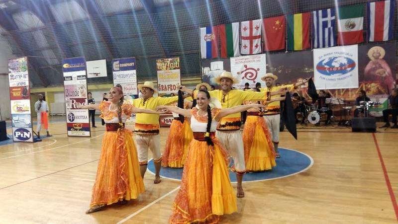 Spoj Kine, Kostarike i Grčke na festivalu folklora
