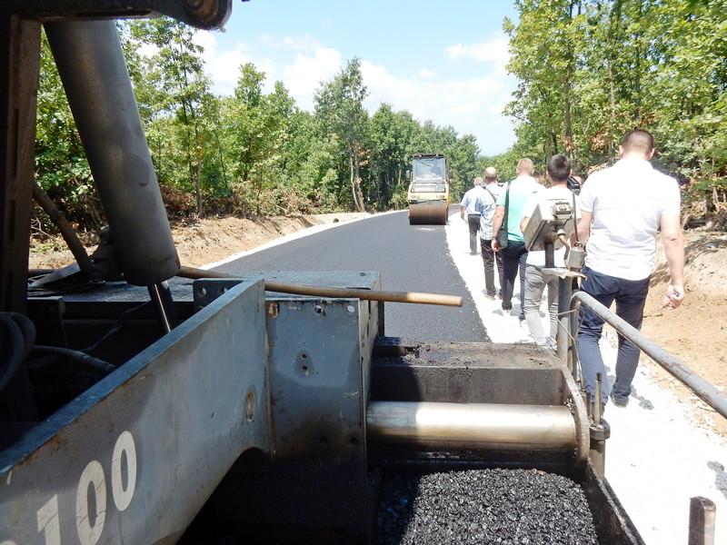 Seoski put od 2,3 kilometra grade po školskom udžbeniku