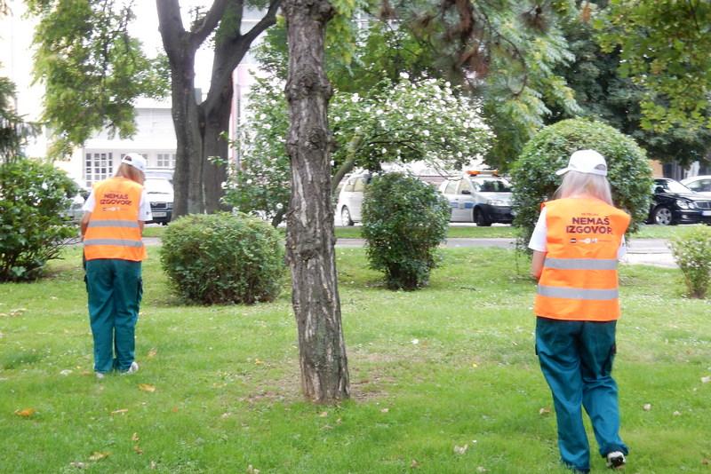 "Tim SBB i aktivisti čistili park u akciji ""Ne prljaj, nemaš izgovor"""