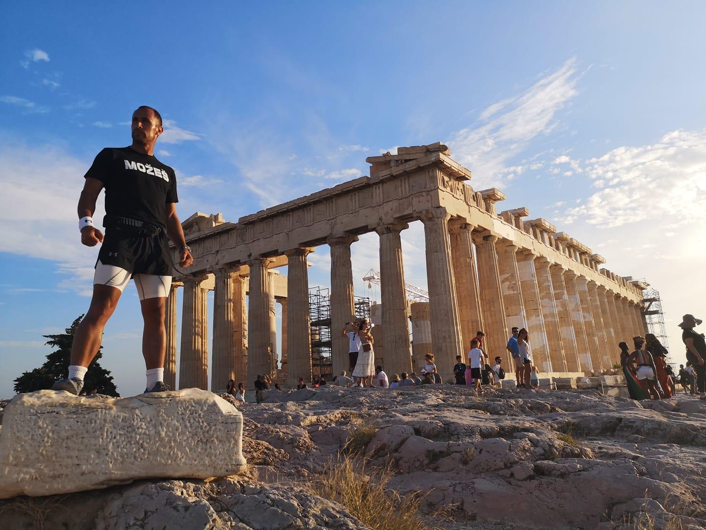 Marko stigao u Atinu i sakupio 60.000 evra za lečenje male Teodore