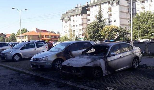 Izgoreo BMW na parkiralištu